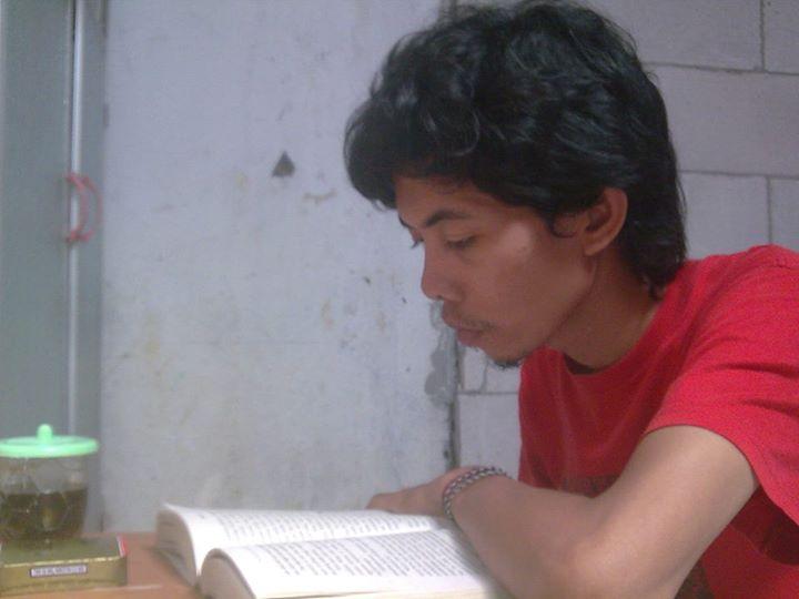 buruh membaca Pramoedya.