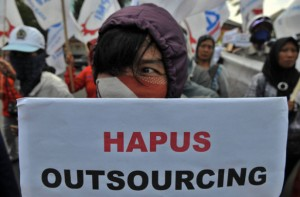 hapus outsourcing