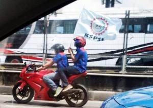 buruh naik motor ninja