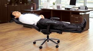 pekerja tidur siang