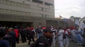 buruh demo kedubes jepang
