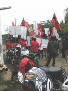 Pengusaha PT Karyatugas Paramita Tolak Bayar Pesangon Buruh