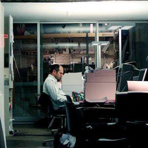 Buruh Kerja 22 Jam Sehari Tanpa Dihitung Lembur