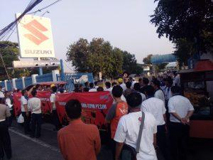 Tuntutan Tak Juga Dipenuhi, Buruh Suzuki Masih Aksi di Depan Pabrik