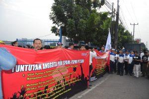 Buruh Suzuki Berdemo Tuntut Pemberantasan Korupsi di Perusahaan