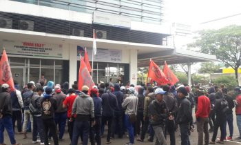 Buruh PT HRS Indonesia Geruduk BPJS Kesehatan