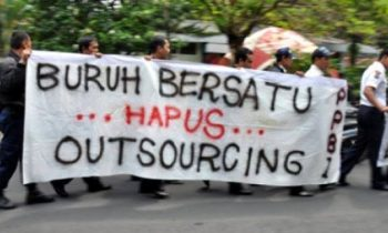 Omnibus Law Cipta Kerja Memperburuk Nasib Buruh Outsoucing
